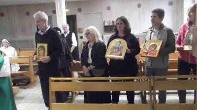 Sessione di pittura di icone e benedizione al Petit Couvent a Lourdes